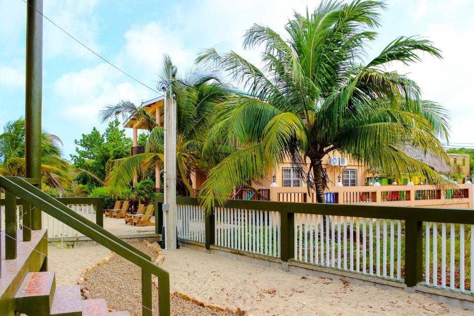 Marlin Suite - Placencia Vacation Rental - Photo 28