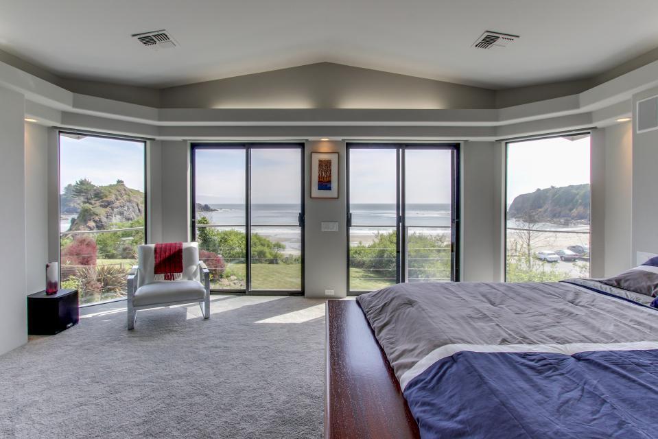 Macklyn Cove | 4 BD Vacation Rental in Brookings, OR | Vacasa