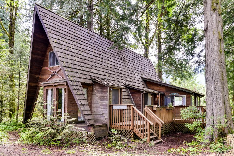 ironwood cabin 1 bd vacation rental in welches or vacasa