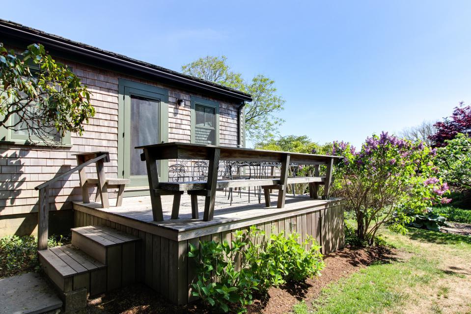 The Looks Pond Garden House - West Tisbury Vacation Rental - Photo 30