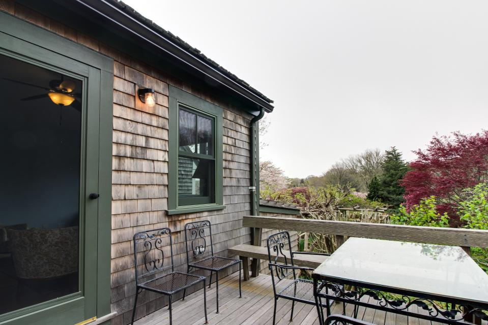 The Looks Pond Garden House - West Tisbury Vacation Rental - Photo 31