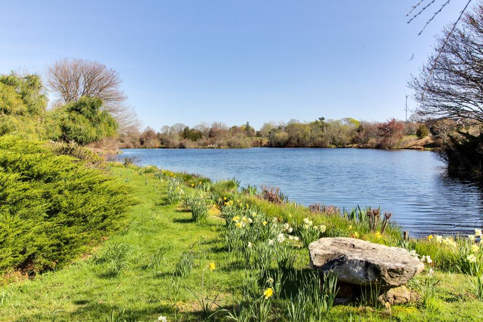 The Looks Pond Garden House - West Tisbury Vacation Rental - Photo 4