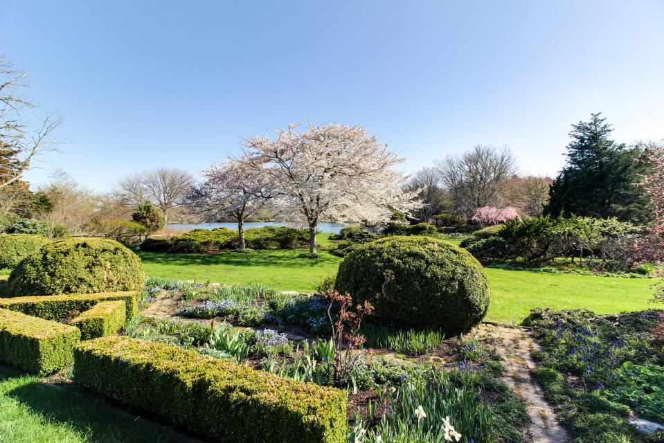 The Looks Pond Garden House - West Tisbury Vacation Rental - Photo 40