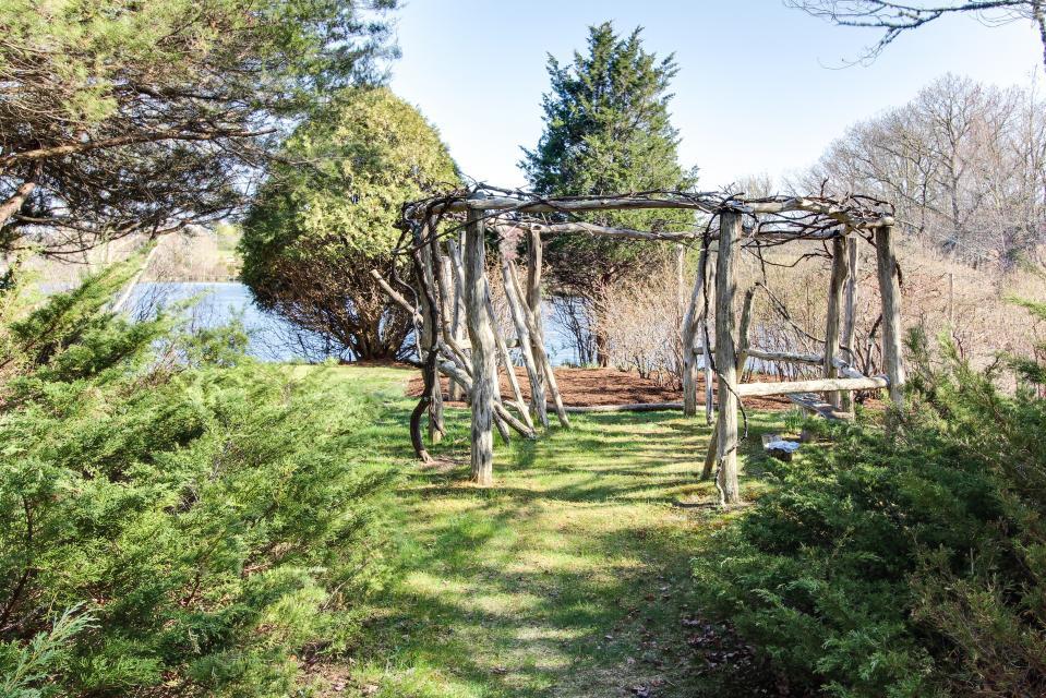 The Looks Pond Garden House - West Tisbury Vacation Rental - Photo 38