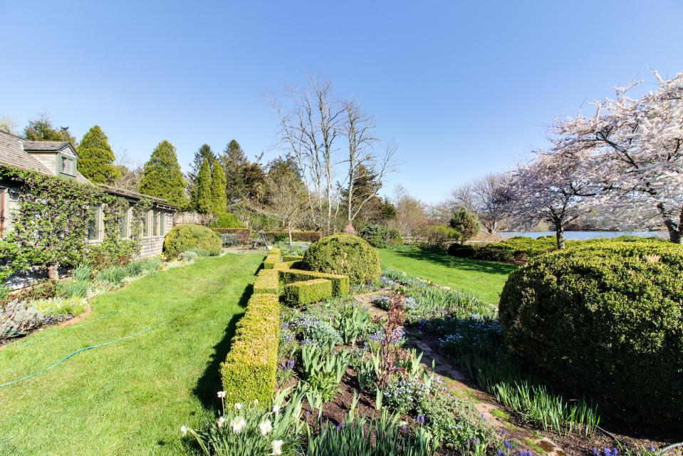 The Looks Pond Garden House - West Tisbury Vacation Rental - Photo 39