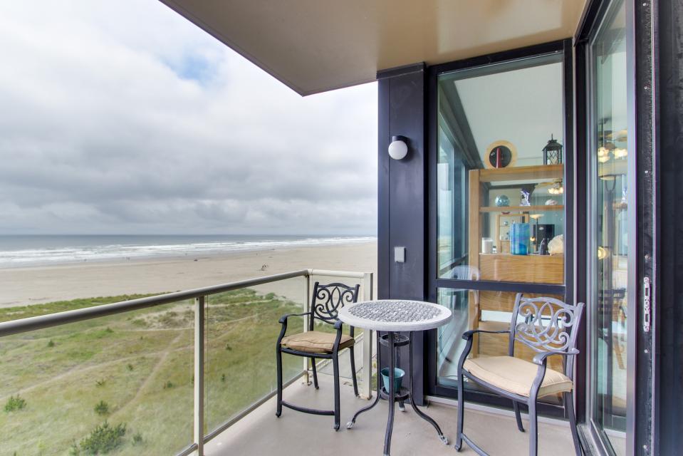 Sand & Sea: Haystack Rock (508) - Seaside Vacation Rental - Photo 6