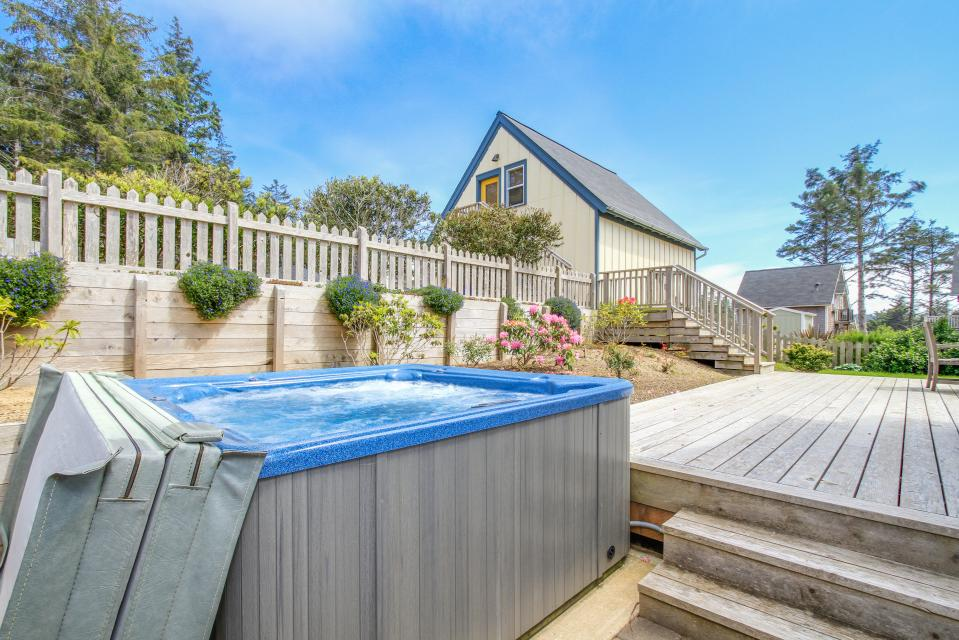 Sea La Vie at Olivia Beach - Lincoln City Vacation Rental - Photo 14