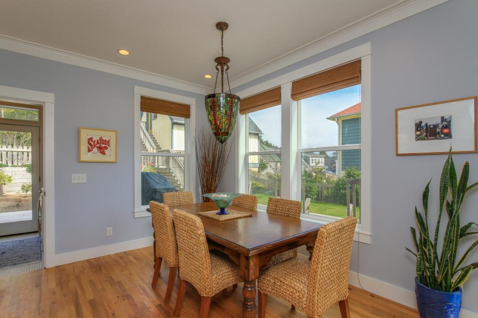 Sea La Vie at Olivia Beach - Lincoln City Vacation Rental - Photo 9