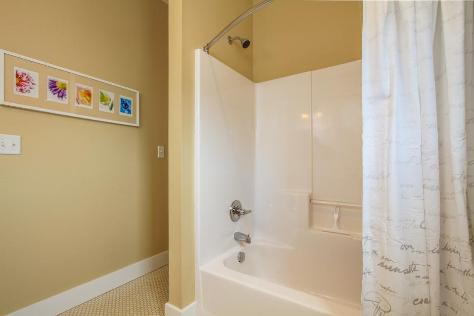 Sea La Vie at Olivia Beach - Lincoln City Vacation Rental - Photo 24