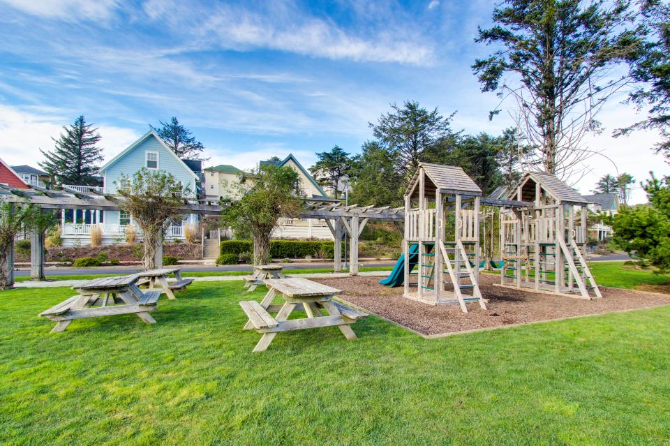 Sea La Vie at Olivia Beach - Lincoln City Vacation Rental - Photo 4