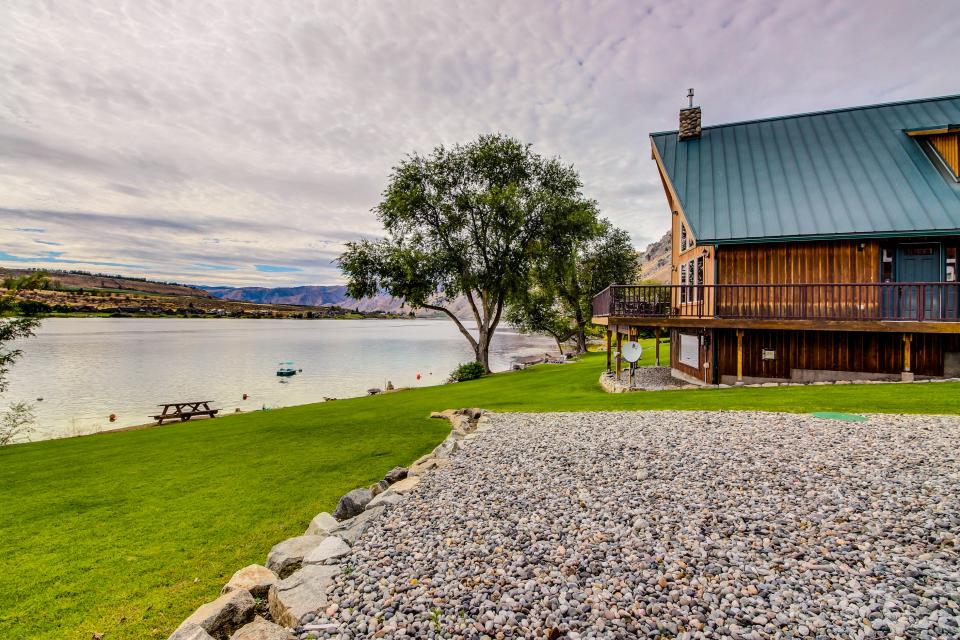 Entiat Lake House - Chelan Vacation Rental