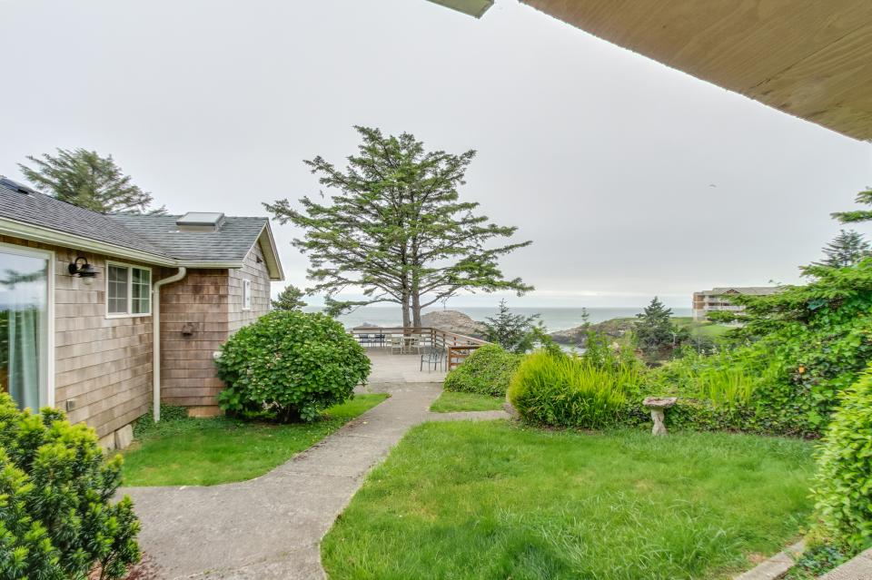 Pirate Cove Cottage 2 - Depoe Bay Vacation Rental - Photo 17