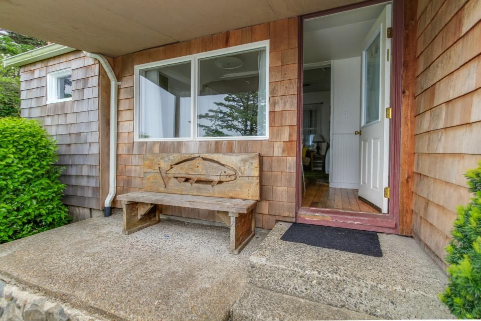 Pirate Cove Cottage 2 - Depoe Bay Vacation Rental - Photo 20