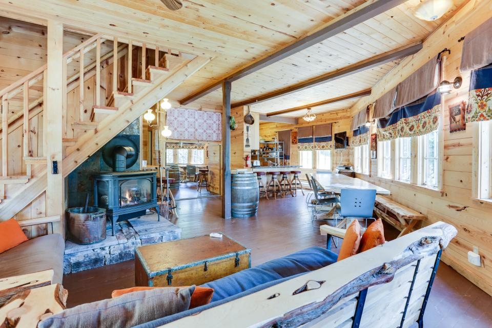Flying Stag: Main Lodge - Government Camp Vacation Rental - Photo 4