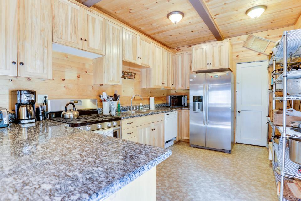 Flying Stag: Main Lodge - Government Camp Vacation Rental - Photo 10