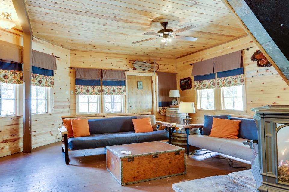Flying Stag: Main Lodge - Government Camp Vacation Rental - Photo 2