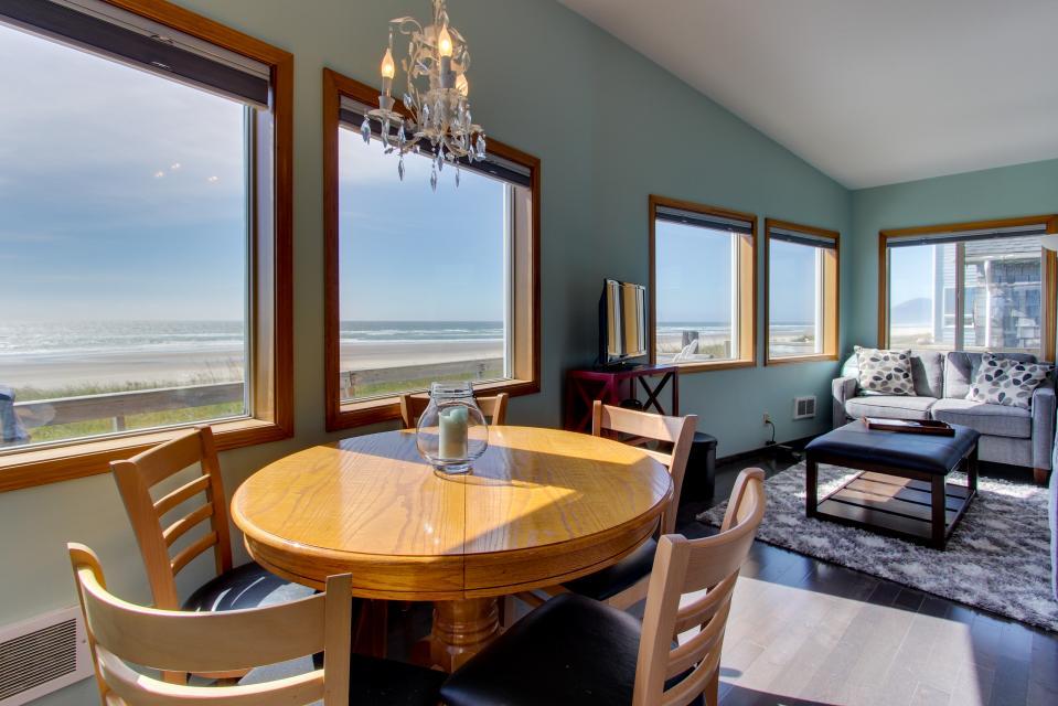 Whalewatcher  - Rockaway Beach Vacation Rental - Photo 23