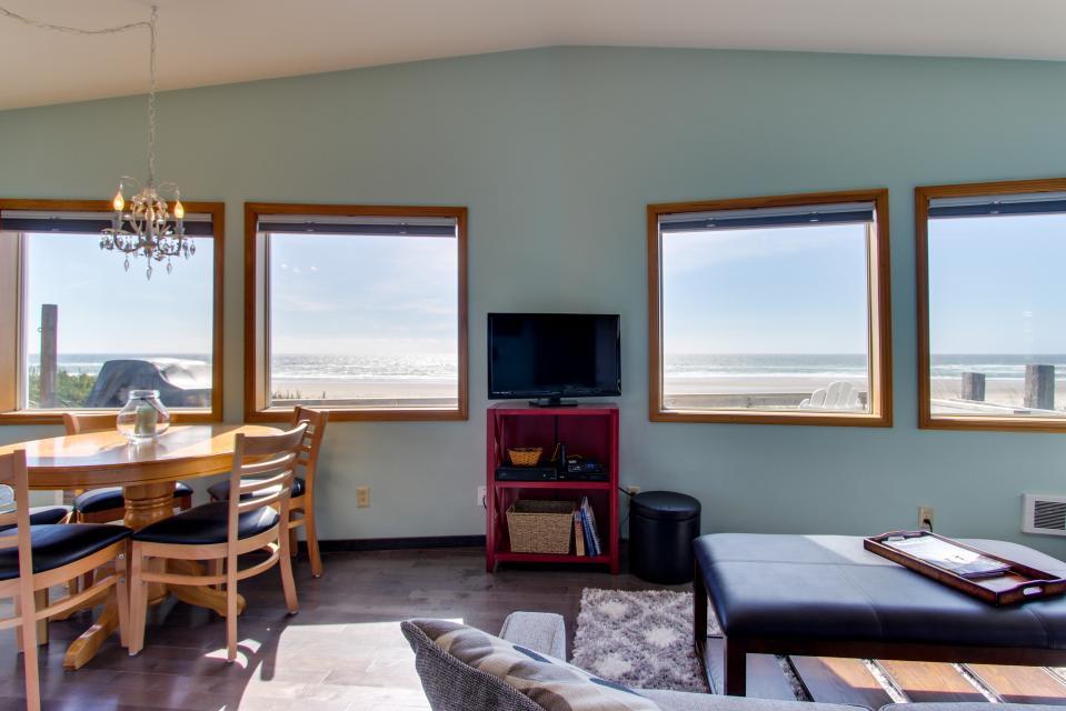 Whalewatcher  - Rockaway Beach Vacation Rental - Photo 27