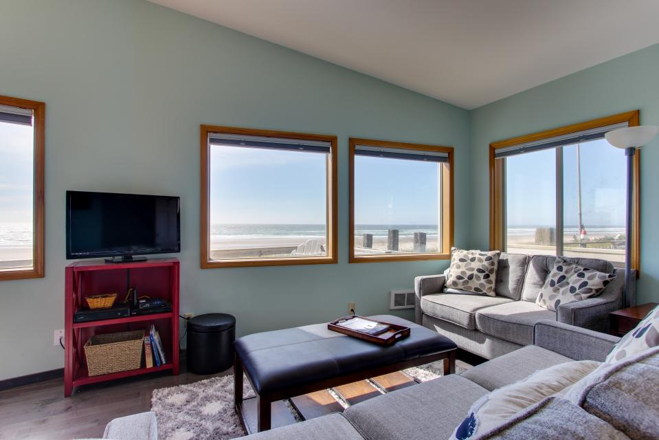 Whalewatcher  - Rockaway Beach Vacation Rental - Photo 15