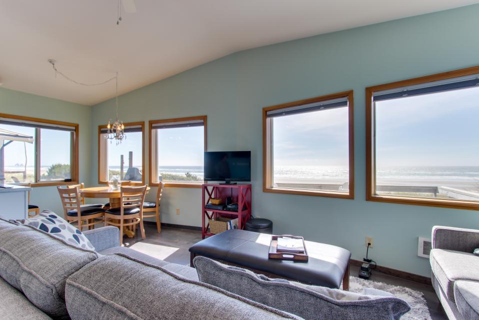 Whalewatcher  - Rockaway Beach Vacation Rental - Photo 28