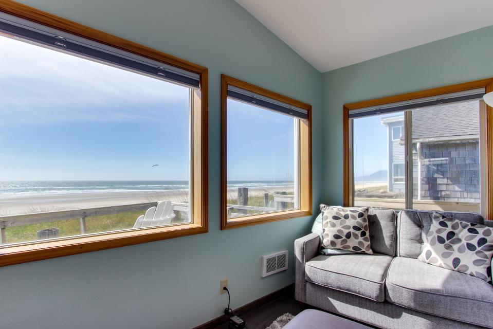 Whalewatcher  - Rockaway Beach Vacation Rental - Photo 3