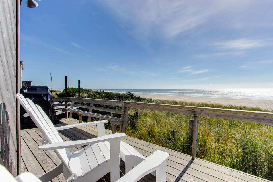 Whalewatcher  - Rockaway Beach Vacation Rental - Photo 1