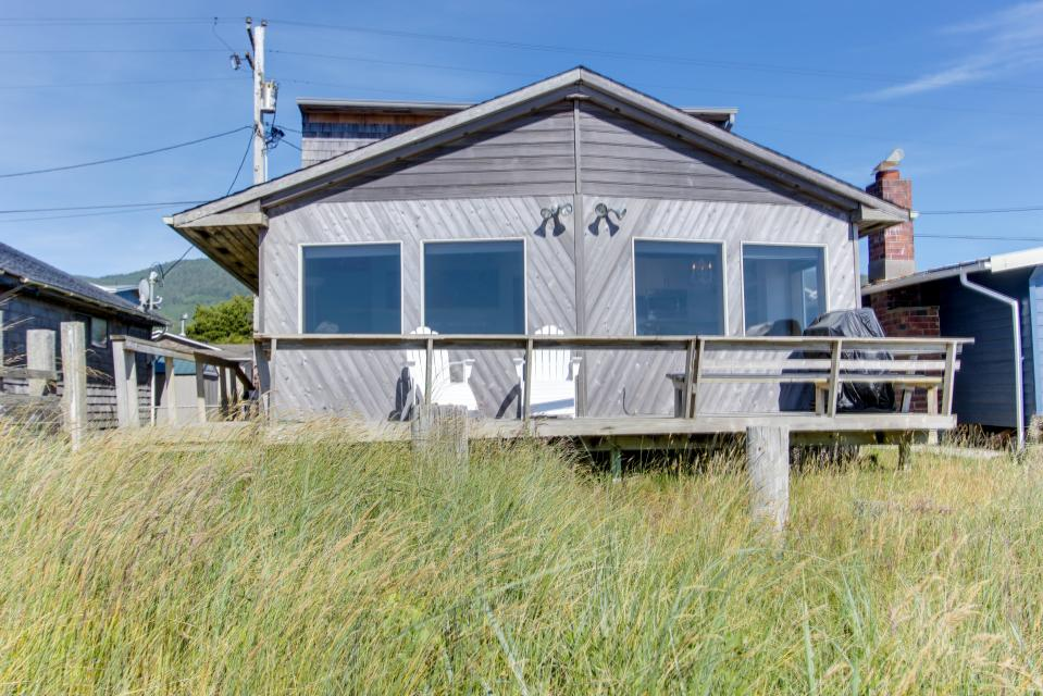 Whalewatcher  - Rockaway Beach Vacation Rental - Photo 42