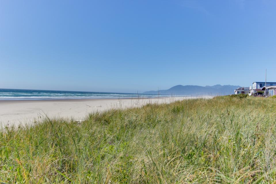 Whalewatcher  - Rockaway Beach Vacation Rental - Photo 40