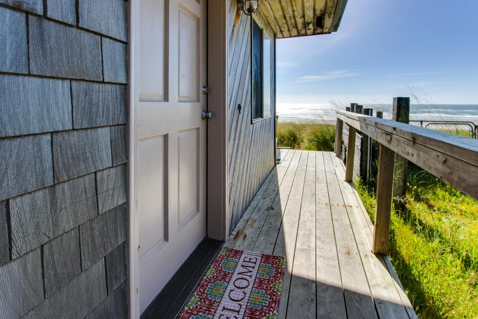 Whalewatcher  - Rockaway Beach Vacation Rental - Photo 43