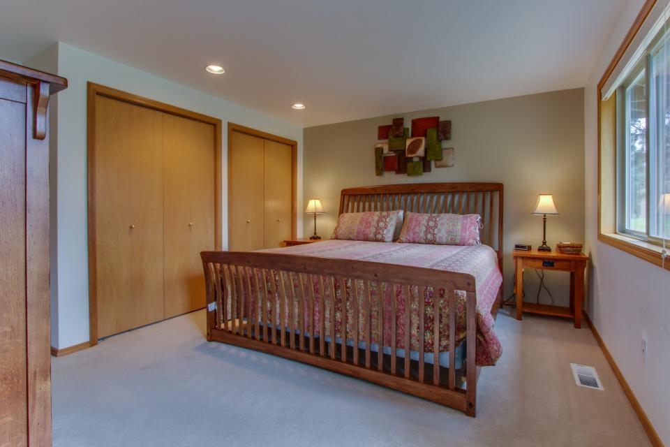 1 Landrise - Sunriver Vacation Rental - Photo 20
