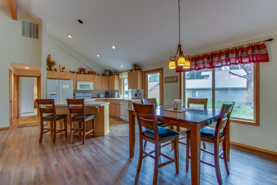 1 Landrise - Sunriver Vacation Rental - Photo 9