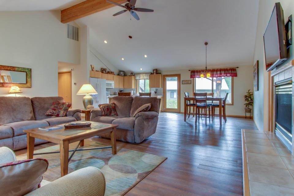 1 Landrise - Sunriver Vacation Rental - Photo 8
