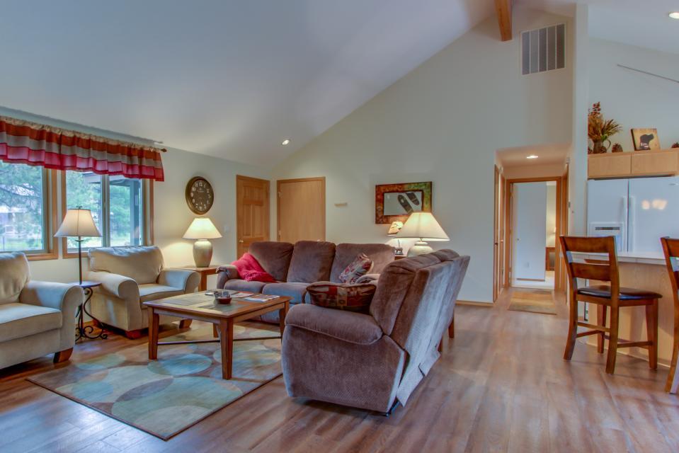 1 Landrise - Sunriver Vacation Rental - Photo 6
