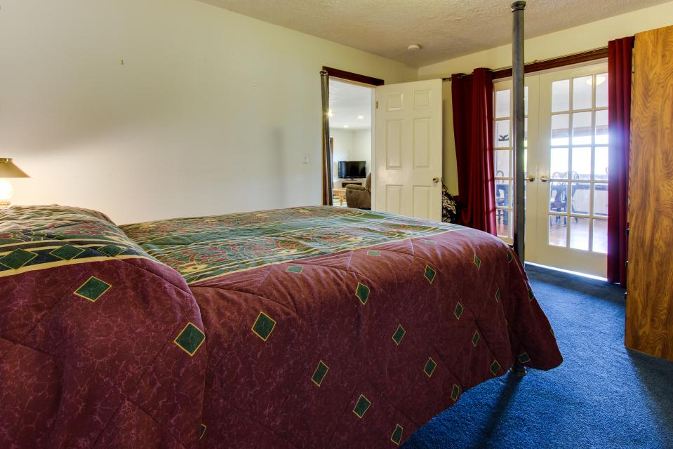 The BayOcean House - Cape Meares Vacation Rental - Photo 27