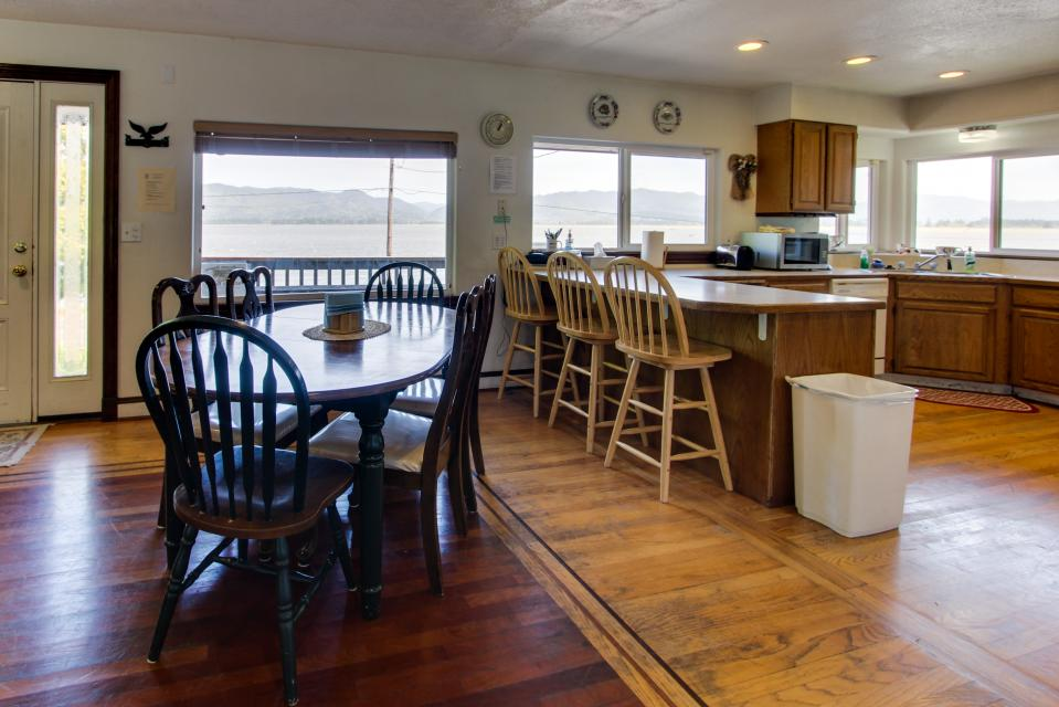 The BayOcean House - Cape Meares Vacation Rental - Photo 4