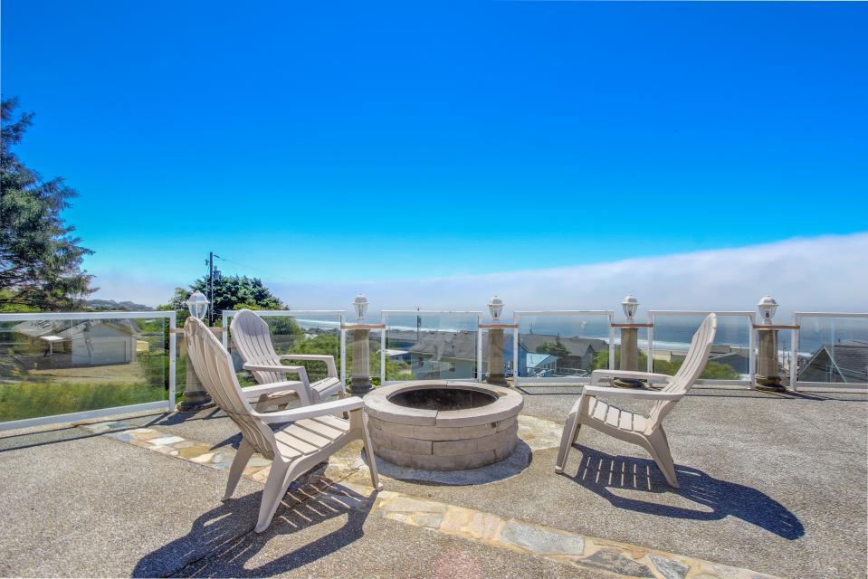 Neptune's Lookout - Lincoln City - Take a Virtual Tour