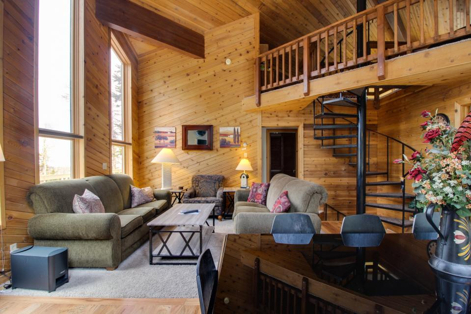 Aoki Michi Cabin - Brian Head Vacation Rental - Photo 4
