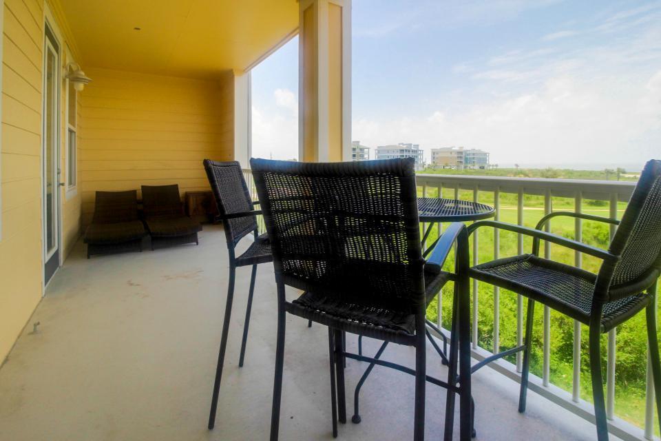 Summer Winter Retreat - Galveston Vacation Rental - Photo 28