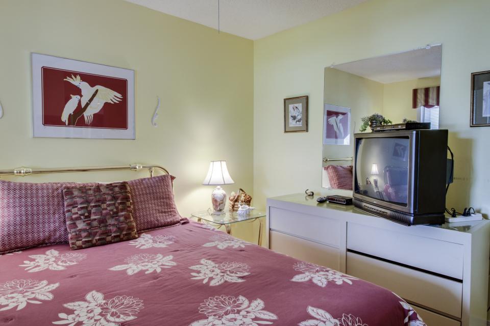 The Inn at St. Thomas Square #303 - Panama City Beach Vacation Rental - Photo 13