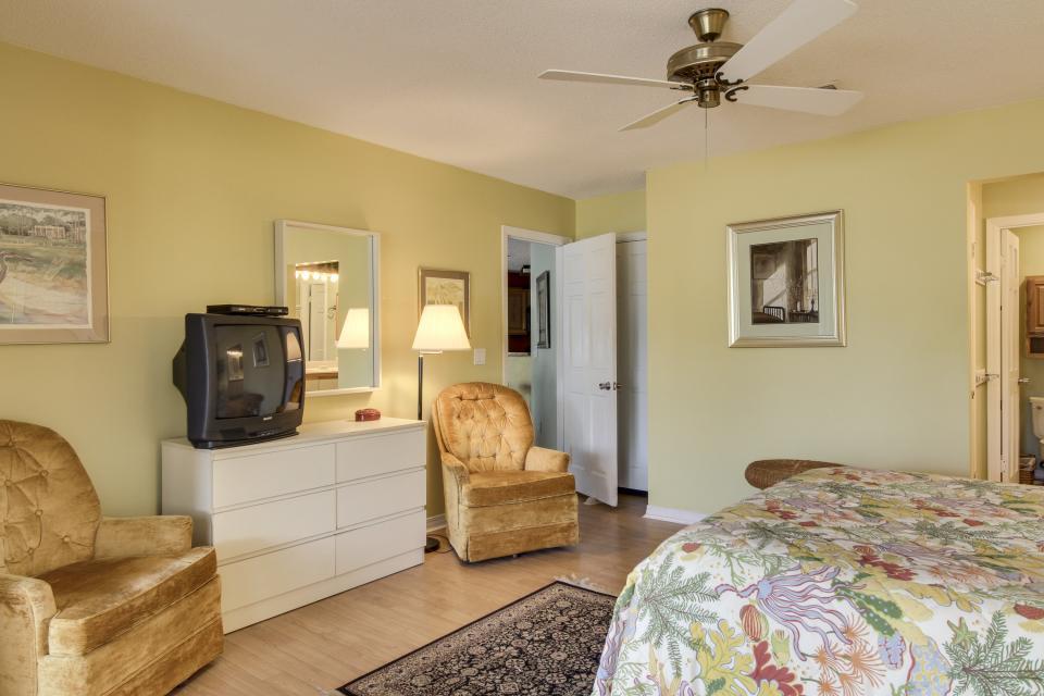 The Inn at St. Thomas Square #303 - Panama City Beach Vacation Rental - Photo 21