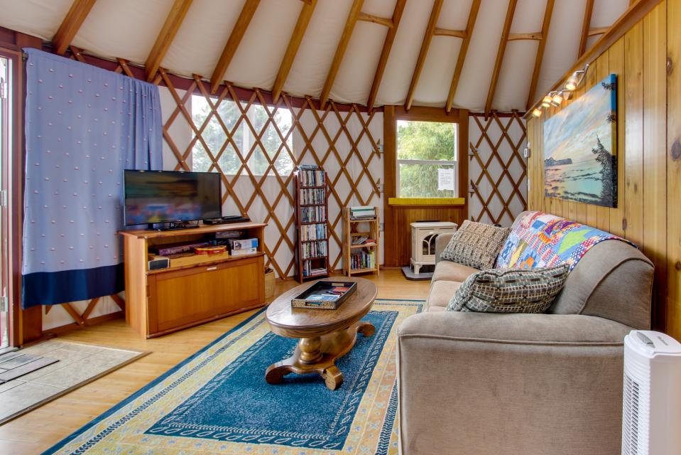 Yurt on the Bay - Bay City Vacation Rental - Photo 10