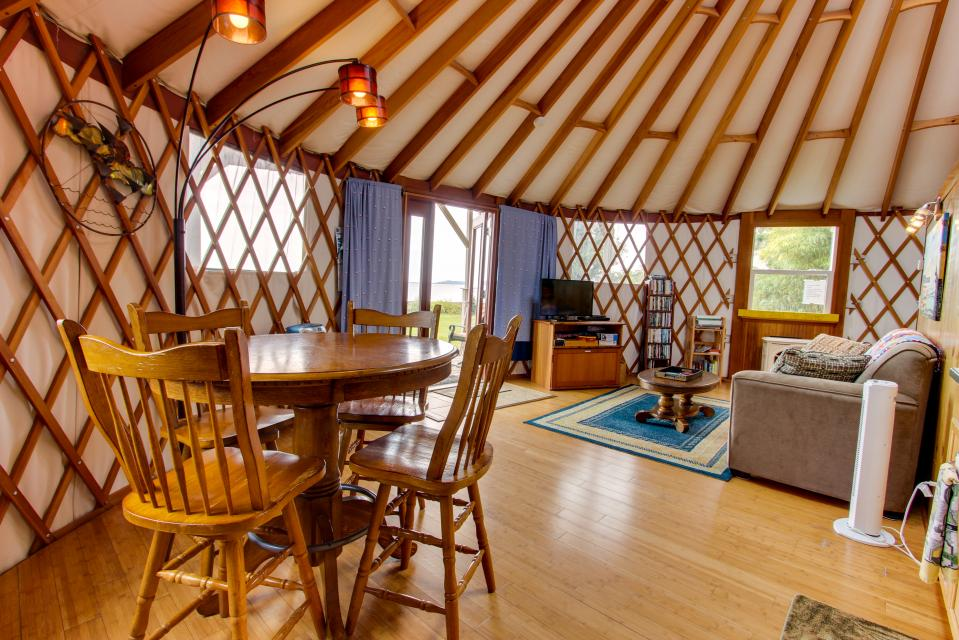 Yurt on the Bay - Bay City Vacation Rental - Photo 21