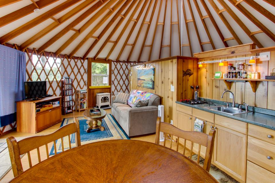 Yurt on the Bay - Bay City Vacation Rental - Photo 13