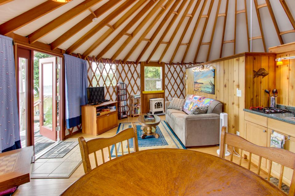 Yurt on the Bay - Bay City Vacation Rental - Photo 18