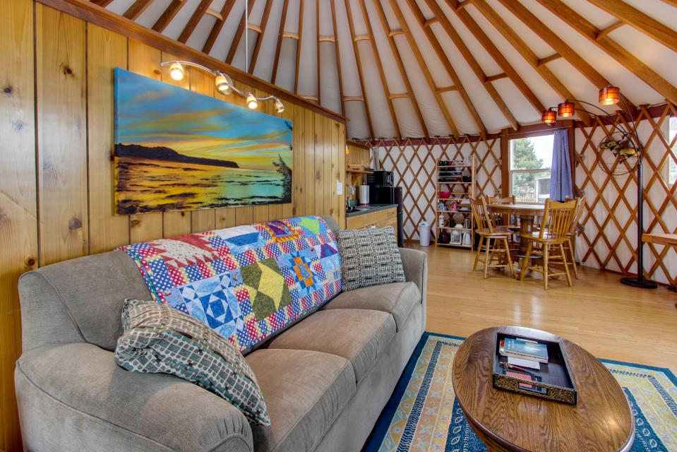 Yurt on the Bay - Bay City Vacation Rental - Photo 16