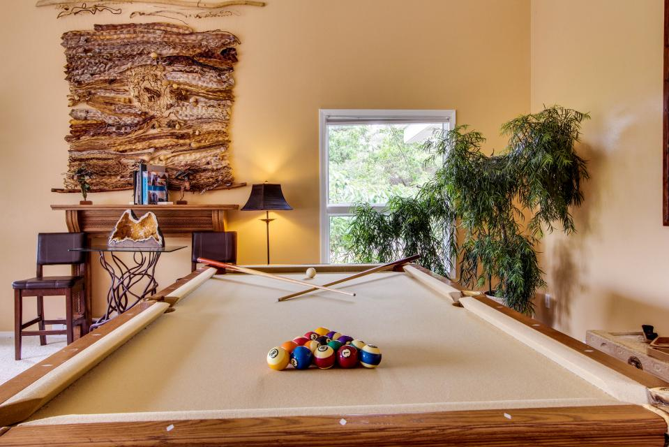 Hidden Luxury Beachfront Estate - Yachats Vacation Rental - Photo 44
