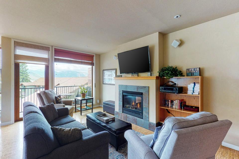 Chelan Resort Suites: Comfort by the Lake #201 - Chelan Vacation Rental