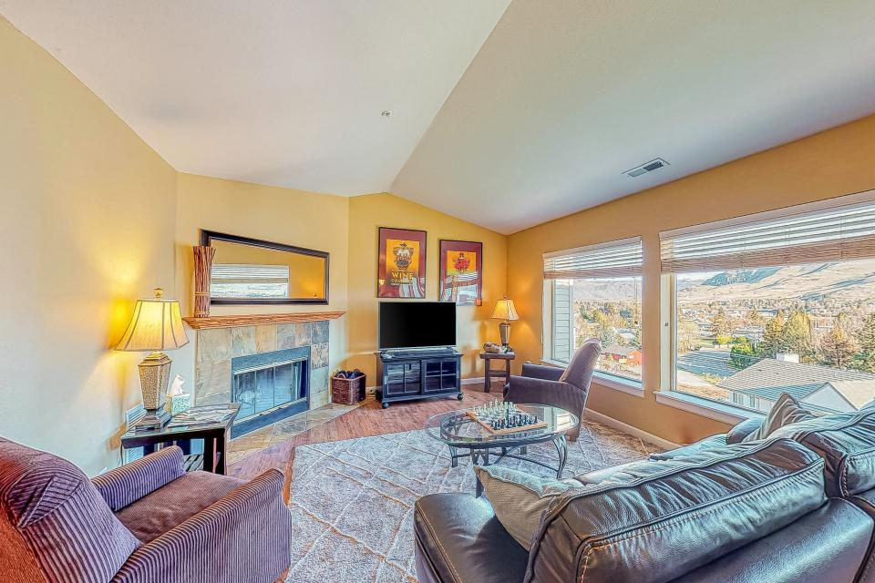 Park Pointe: The Mountain Pass (D303) - Chelan Vacation Rental