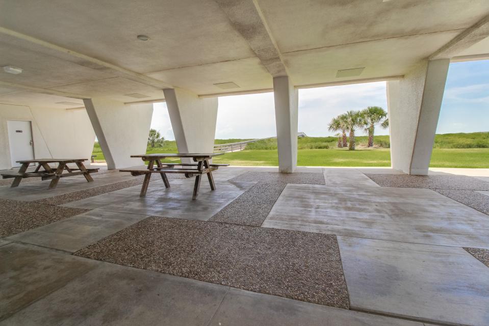 Islander East Resort Galveston Tx