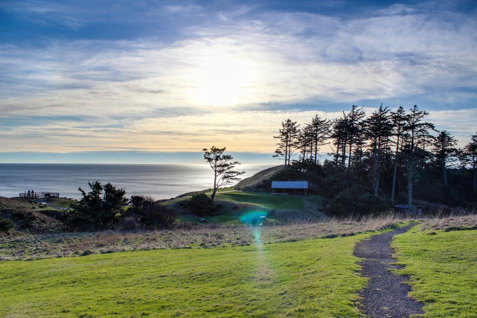 Beaches Inn | Sandpiper Pier Cottage - Cannon Beach Vacation Rental - Photo 24